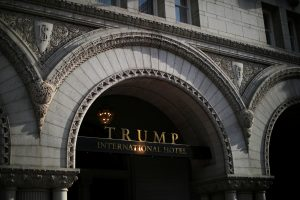 D. Trumpo viešbučio Vašingtone pelnas pranoksta lūkesčius