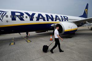 """Dėl pilotų ginčų gali sutrikti """"Ryanair"""" skrydžiai"""