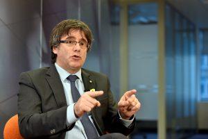 Katalonijos vadovas grįš į Ispaniją automobilio bagažinėje arba užsimaskavęs?