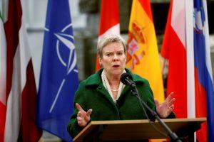NATO neplanuoja dislokuoti Europoje naujų branduolinių raketų