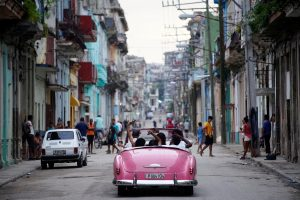 Kubiečiai galės naudotis internetu mobiliuosiuose telefonuose