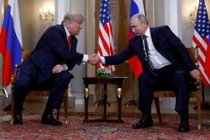 Baltieji rūmai: naujo D. Trumpo ir V. Putino susitikimo šiemet nebus