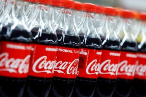 """Tyrimas: """"Coca-Cola"""" – didžiausia aplinkos teršėja plastiku"""