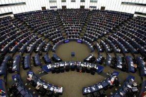 Europarlamentarai nesutinka mažinti lėšų regionams