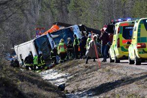 Švedijoje apsivertė vaikus vežęs autobusas: žuvo trys žmonės