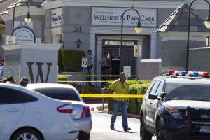 Las Vegaso skausmo klinikoje pacientas šovė į du žmones ir nusižudė