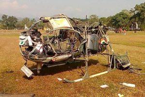 Indijoje sudužus kariuomenės sraigtasparniui žuvo trys karininkai