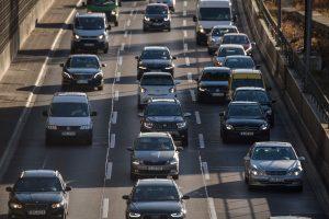 ES iki 2030 m. sumažins naujų automobilių taršą 37,5 proc.