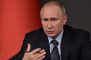V. Putinas: aktyviai ginsime užsienyje gyvenančių rusų teises