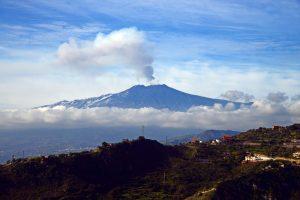 Etnos ugnikalnis vėl spjaudosi