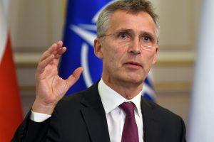 J. Stoltenbergas: NATO pirmadienį surengs derybas su Rusija