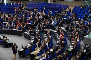 Turkija iš armėnų genocidą pripažinusios Vokietijos atšaukia ambasadorių
