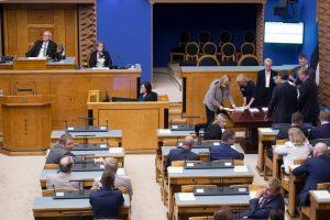 Estijoje leista ieškinius teismams teikti rusų kalba