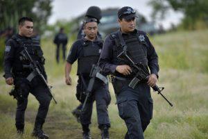 Meksikoje rasti šeši gyvi asmenys nukapotomis plaštakomis