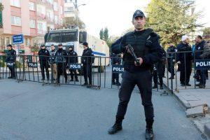 Turkijoje per kurdų išpuolį sužeisti trys žmonės