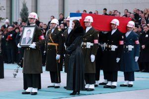 Nužudyto diplomato laidotuvės pakoregavo V. Putino planus