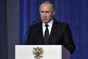 V. Putinas ragina stiprinti Rusijos branduolines pajėgas