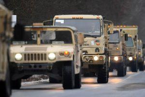 Lenkijoje susidūrė trys JAV armijos sunkvežimiai