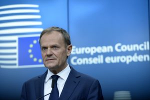 Varšuvą įsiutino D. Tusko perrinkimas Europos Vadovų Tarybos pirmininku