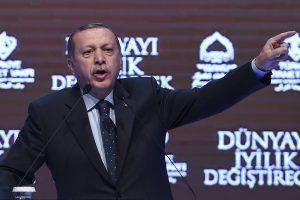 Turkijos prezidentas: fašizmo šmėkla siautėja Europos gatvėse