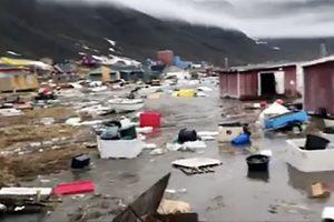Grenlandiją sukrėtė žemės drebėjimas ir cunamis, keturi žmonės dingo