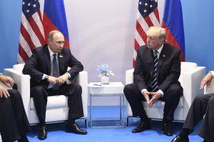 D. Trumpas pasirašė sankcijų Rusijai įstatymą