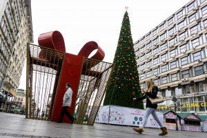 83 tūkst. eurų kainavusi Kalėdų eglė Belgrado gyventojų nedžiugina