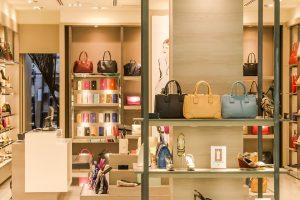 Mūsų pirkimo įpročius lemia net parduotuvės grindų plytelės
