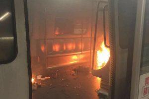 Gaisras Honkongo metropolitene sukėlė paniką: sužeisti devyni žmonės