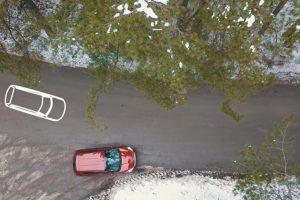 Pradedančiųjų vairuotojų iššūkis – įkalnės ir važiavimas atbulomis