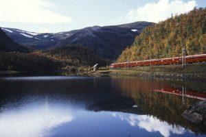 Lėtos televizijos fenomenas: kelionės traukiniu, malkų naktis ir elniai
