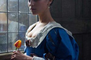 """Dramos """"Tulpių karštinė"""" žvaigždė A. Vikander: lengviausi darbai – ne man"""
