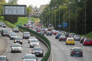 Lietuvoje parduodama vis daugiau automobilių