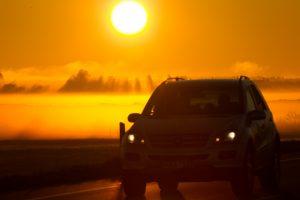 Saulės spinduliai kenkia ir automobiliams