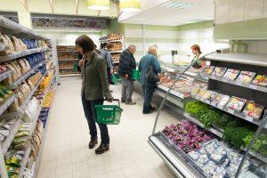 Didysis prieššventinis apsipirkimas: kur verta ieškoti pigiausių prekių?