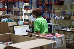 Pramonininkai: darbdaviai neranda darbuotojų