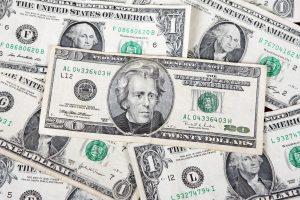 Lietuvis įtariamas iš dviejų JAV bendrovių išviliojęs 100 mln. dolerių