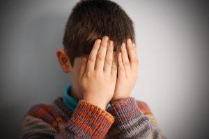 Patėvių smurtas nesiliauja: Anykščiuose sumuštas berniukas
