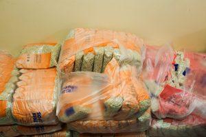 Teismas: maisto produktai skurstantiesiems pirkti neteisėtai