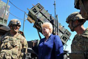 """Prezidentė: """"Patriot"""" sistemos Baltijos regione turi būti dislokuotos nuolat"""