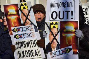 Pietų Korėja vėl transliuos propagandą prie sienos su Šiaurės Korėja
