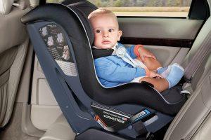Keleiviai, kurių saugos diržai neapsaugos: kaip saugiai vežtis vaiką?
