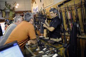 Kuo daugiau ginklų, tuo saugiau?