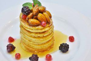 Užgavėnių vakarienei – netikėti blynų receptai