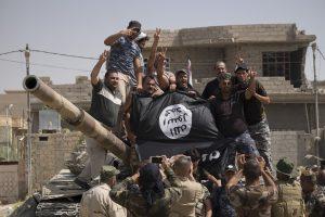 """Ar """"Islamo valstybės"""" žlugimas išspręstų regione vykstančius konfliktus?"""
