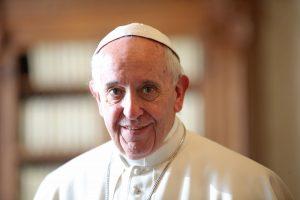Popiežius užbaigė dar vieną misiją – nusipirko batus