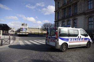 Neramiuose Paryžiaus priemiesčiuose suimti dar 26 asmenys