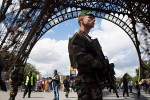 Su išpuoliais Europoje siejamas vyras apkaltintas vadovavimu teroristams