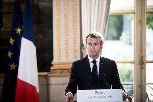 Prancūzijos prezidentas pertvarkė vyriausybę