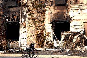 Kalifornijos gaisro aukų padaugėjo iki 79